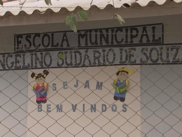 Escola municipal fica na zona rural de Capão Bonito (Foto: Reprodução/ TV TEM)