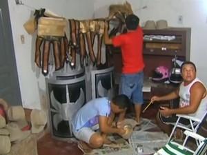 """Voluntários da peça """"Paixão de Cristo"""" em Santarém (Foto: Reprodução/TV Tapajós)"""