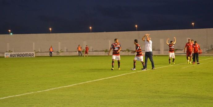 Bismarck comemora gol do Campinense, no Almeidão,  (Foto: Lucas Barros / GloboEsporte.com/pb)