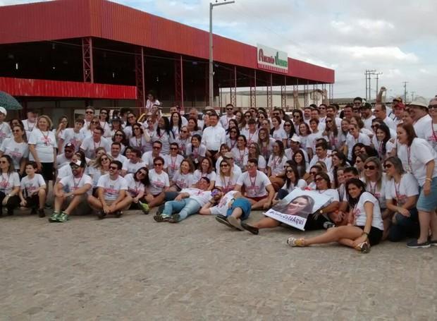 Mais de 50 carros saíram da capital potiguar para levar presentes e palavras de amor (Foto: Lamonier Araújo/ Inter TV Cabugi)