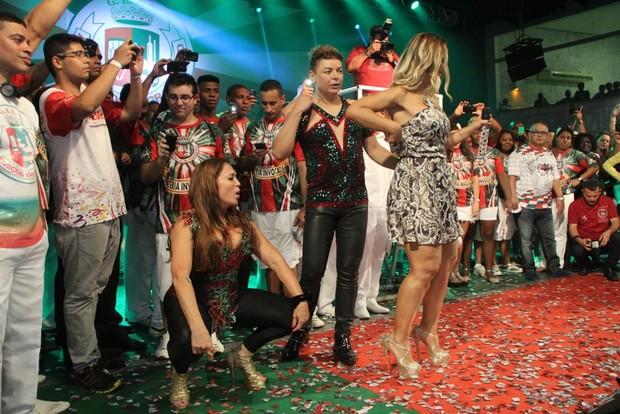 Susana Vieira foi até o chão (Foto: Rodrigo dos Anjos / AgNews)