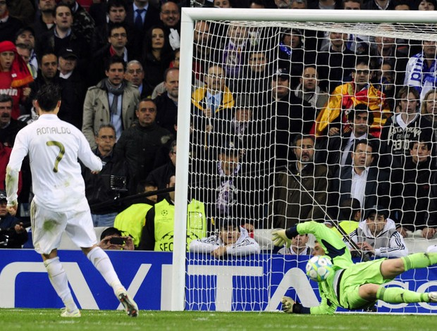 cristiano ronaldo neuer penaltis Real Madrid X Bayern munique (Foto: AFP)