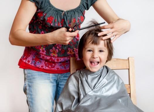 Rodrigo Cintra lista 8 erros que os pais cometem no cabelo das crianças
