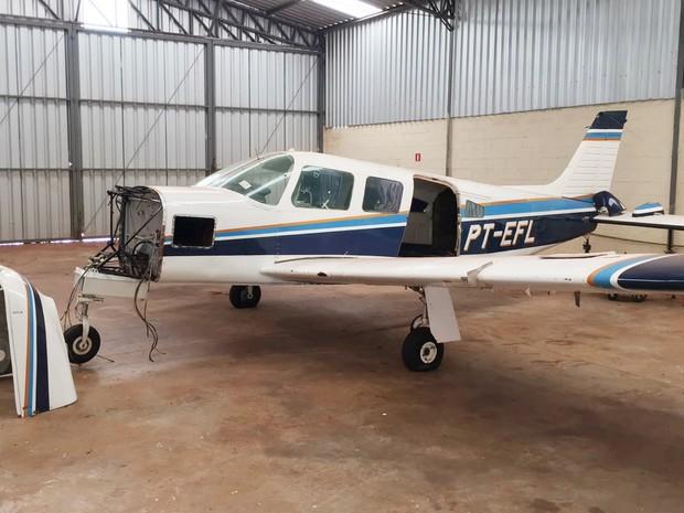 Aeronave foi apreendida em hangar no aeroclube de Ituverava (Foto: Polícia Federal/Divulgação)