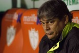 Guarani prepara oferta para Veiga, mas treinador já ouve outros clubes