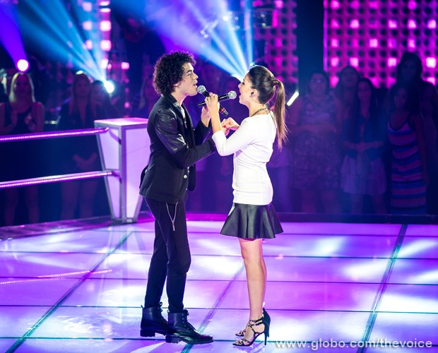 Sam e Marcela no palco do reality show (Foto: Isabella Pinheiro/TV Globo)