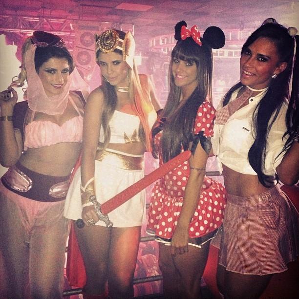 Babi Rossi, Cacau, Carol Dias e Kelly Medeiros em festa em Campinas, interior de São Paulo (Foto: Instagram/ Reprodução)
