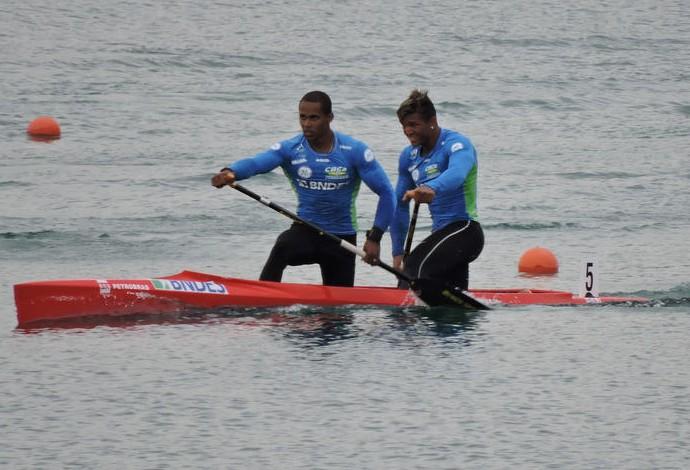 Erlon Souza e Isaquias Queiroz Mundial canoagem (Foto: Divulgação CBca)