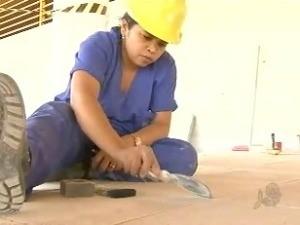 Mulheres ingressam cada vez no setor da construção civil em Fortaleza (Foto: TV Verdes Mares/Reprodução)