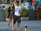 Assumidos: Sophia Abrahão passeia abraçada com Sergio Malheiros