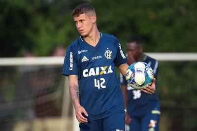 Matheus Sávio é a novidade de Zé Ricardo neste sábado (Foto: Gilvan de Souza/Flamengo)