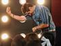 Ricardo Tozzi relembra experiência como cantor Fabian em 'Cheias de Charme': 'As pessoas aplaudiam'
