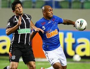 Amaral e Ygor, Cruzeiro x Figueirense (Foto: Emmanuel Pinheiro / Agência Estado)