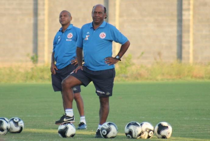 Moura - técnico interino e gerente de futebol do América-RN (Foto: Canindé Pereira/América FC)