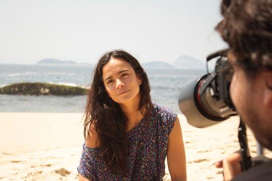 Alice Braga deu entrevista para o documentário e relembrou o processo das filmagens do longa de Fernando Meirelles (Foto: Daniela Cantagalli)