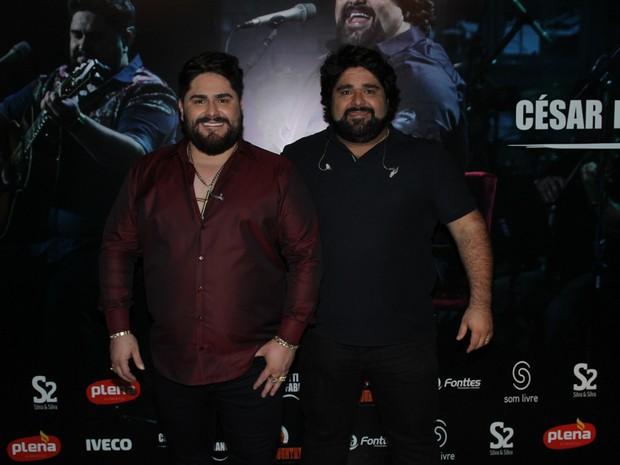 César Menotti e Fabiano em gravação de DVD em São Paulo (Foto: Amauri Nehn/ Brazil News)