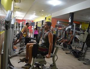 Visando preparação a longo prazo, jogadores do Genus passam por treino em academia  (Foto: Lívia Costa)