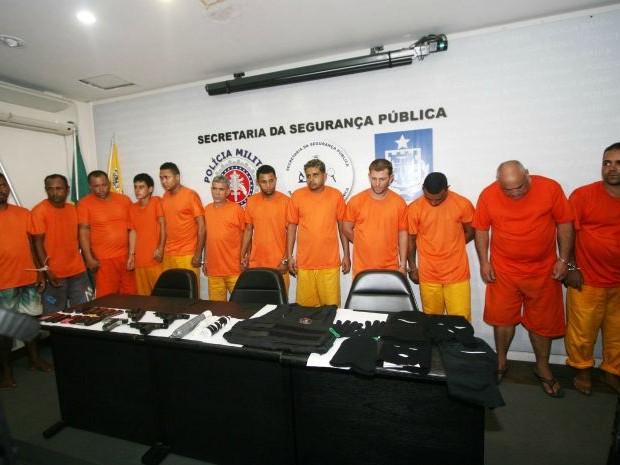 Grupo suspeito de assaltos é preso na Bahia; integrante tinha arma da PM de SP (Foto: Divulgação/Polícia Civil)