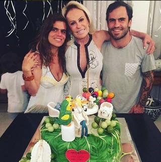 Ana Maria Braga com os filhos Mariana e Pedro (Foto: Reprodução/Instagram)