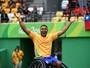 No tênis, número 1 do Brasil passa de fase e desafia bicampeão paralímpico