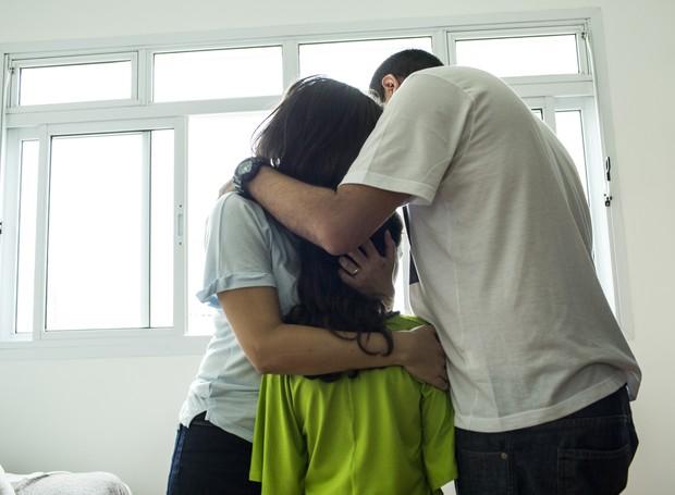 Renata, Fabiano e Vitória: uma família cheia de amor e cumplicidade!  (Foto: Guilherme Zauith)