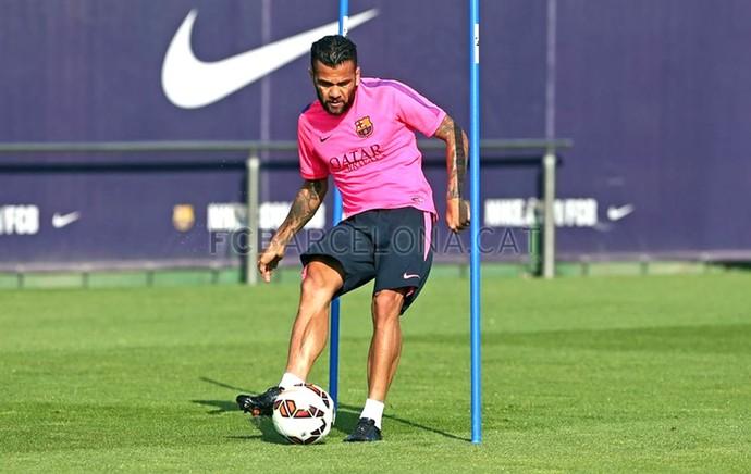 Daniel Alves no treino do Barcelona (Foto: Divulgação / Site Oficial do Barcelona)