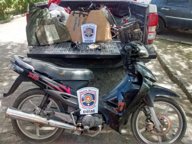 Quadrilha especializada em roubo de moto é desarticulada em Bezerros (Foto: Divulgação/ Polícia Militar)