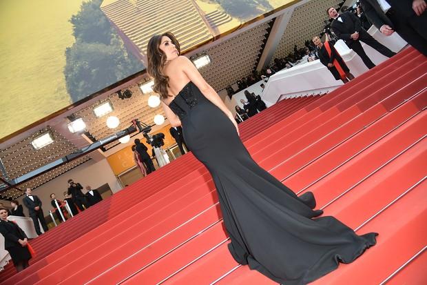 Eva Longoria na première do filme Jogo do Dinheiro, no Festival de Cannes (Foto: AFP)