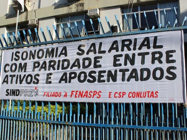 Trabalhadores estão em greve desde (Foto: Divulgação/ Cacilhas Comunicação)