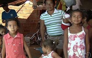 Pais pedem abertura de vagas em escolas e creches do bairro (Reprodução/TV Anhanguera)