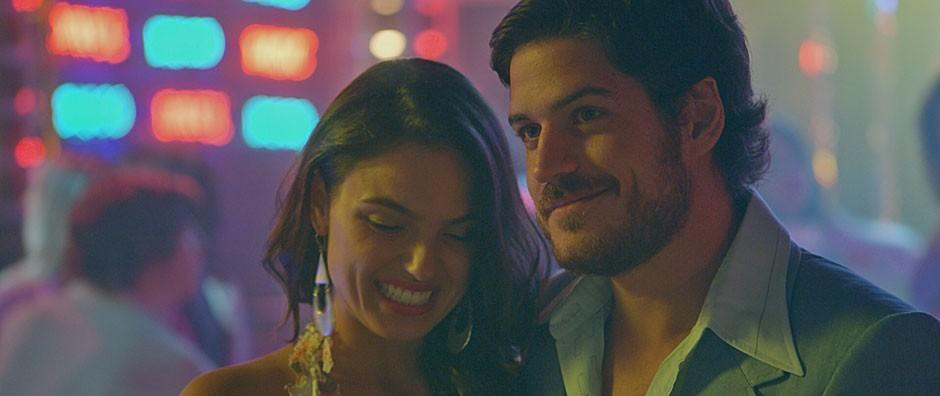 Sandra e Rafael terminam juntos  e se casam em Las Vegas (TV Globo)