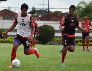 Lucas e Paulo Otávio em treino do Atlético-PR antes da Copa São Paulo Júnior (Foto: Divulgação/Site oficial do Atlético-PR)
