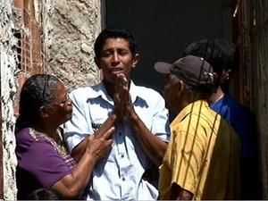Familares do menino pediram por justiça, no Espírito Santo (Foto: Reprodução/TV Gazeta)