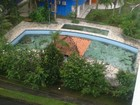 Imagem mostra água parada em piscina de campus da UFPR no litoral