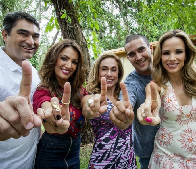 Apresentadores do É de Casa (Foto: Sergio Zalis/TV Globo)