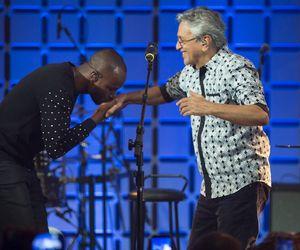 Com a benção de Caetano Veloso, Thiaguinho recebe Seu Jorge e Xande de Pilares para a estreia do Música Boa Ao Vivo