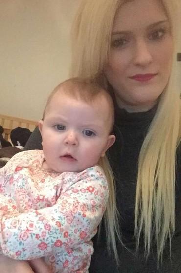Kirstie e Maisie (Foto: Reprodução - Facebook)