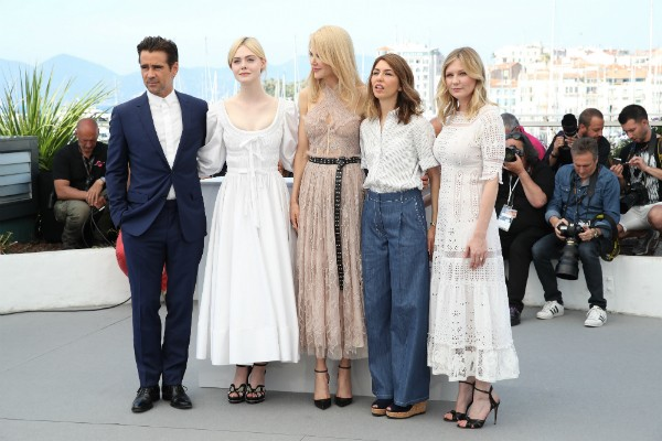 O elenco do filme com a diretora, Sofia Coppola (Foto: Getty Images)