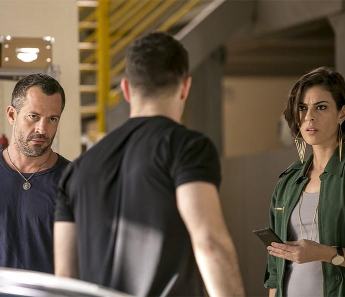 Apolo não engole armação de Giba e tenta contar toda a verdade para Adriana (Foto: Isabella Pinheiro/Gshow)