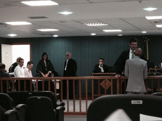 Julgamento começou por volta das 8h (Foto: Gabriel Barreira / G1)