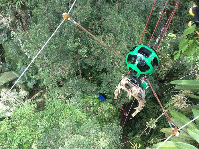 Trekker foi colocado em uma tirolesa especial para fazer fotos (foto: Reprodução/Google)