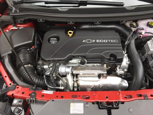 Motor 1.4 turbo do Cruze hatch desenvolve 153 cv (Foto: André Paixão/G1)