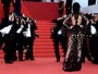 Kendall Jenner usa look sexy total no tapete vermelho de Cannes