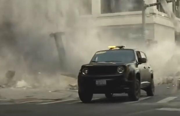 jeep divulga comerciais do renegade para batman vs superman auto esporte not cias. Black Bedroom Furniture Sets. Home Design Ideas
