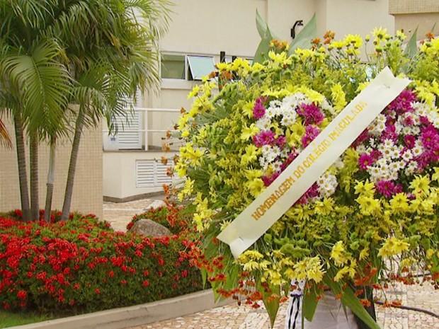 Paciente que morreu após exame é sepultado em Campinas  (Foto: Reprodução EPTV)