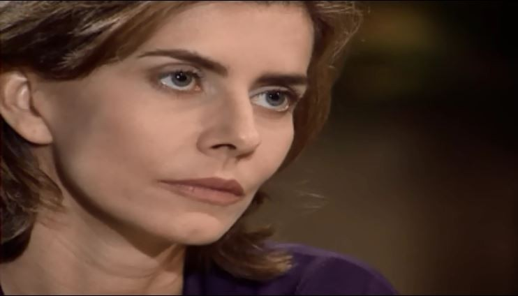 Clara conta a ngela que est grvida (Foto: Reproduo/viva)