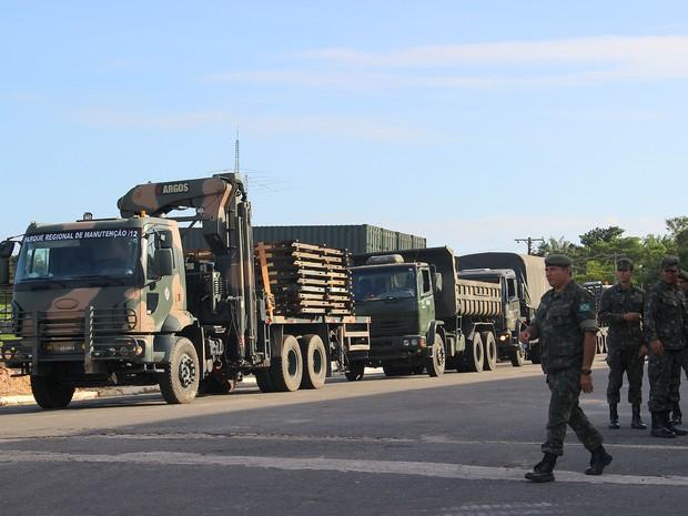Estrutura de metal foi enviada a São Gabriel da Cachoeira nesta sexta (Foto: Luis Henrique Oliveira/G1 AM)