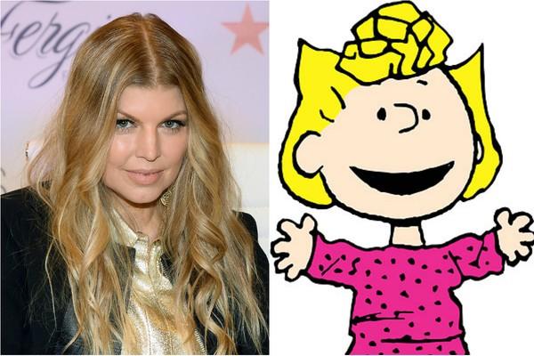 Fergie pode ter ficado famosa com sua voz como cantora, mas quando era criança dublou Sally, airmã de Charlie Brown em 'Peanuts', desenho com Snoopy (Foto: Getty Images e Divulgação)