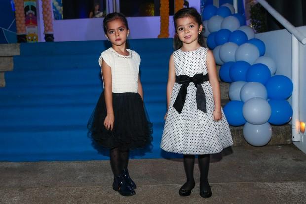 Isabella e Helena, filhas de Luciano Camargo (Foto: Manuela Scarpa / Photo Rio News)