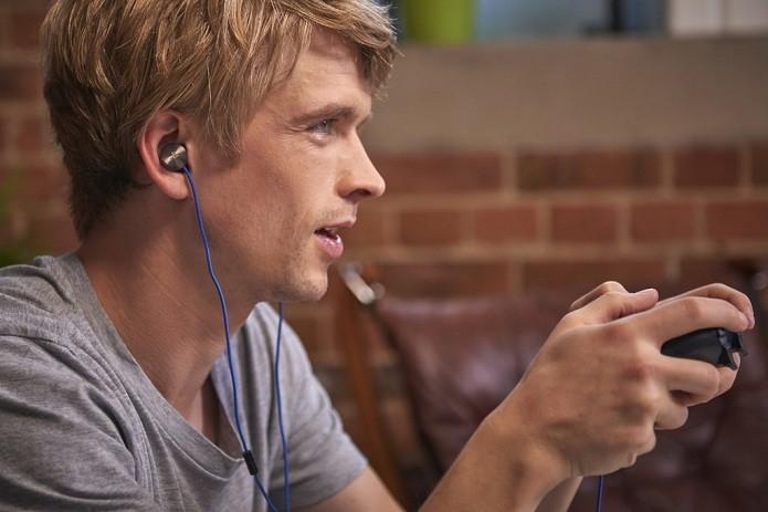 Veja como usar o som do notebook no fone de ouvido e manter a imagem na TV (Foto: Divulgação/Sony)